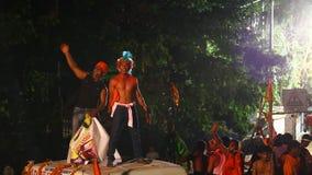 Ινδικοί λαοί που απολαμβάνουν τη θρησκεία καρναβάλι απόθεμα βίντεο