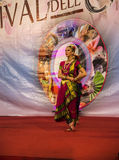 Ινδικοί χορευτές στο φεστιβάλ της Ανατολής στη Ρώμη Ιταλία Στοκ Φωτογραφίες