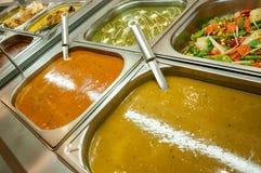 Ινδικός μπουφές μεσημεριανού γεύματος ή πίνακας τομέα εστιάσεως Στοκ φωτογραφία με δικαίωμα ελεύθερης χρήσης