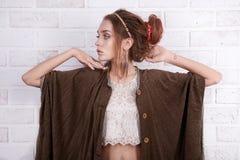 Ινδικό κορίτσι ένδυσης ύφους hipster Στοκ εικόνα με δικαίωμα ελεύθερης χρήσης