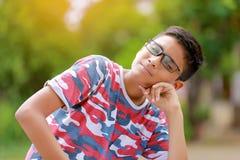 Ινδικό παιδί eyeglass στοκ φωτογραφία με δικαίωμα ελεύθερης χρήσης