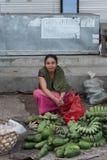 Ινδοί λαοί στην παραδοσιακή αγορά οδών, Μπαλί στοκ εικόνες