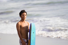 Ινδονησιακή στάση surfer Στοκ Εικόνες