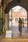 Ινδός αφήνει το Jama Mashid στοκ εικόνες