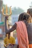Ινδός θρησκευτικός μοναχός Naga Sadhus στις όχθεις ποταμού του Γάγκη Στοκ Εικόνες