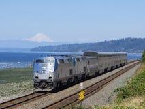 14 Ιουλίου 2018  Edmonds, WA, ΗΠΑ  Amtrak P42 48 στοκ φωτογραφία με δικαίωμα ελεύθερης χρήσης