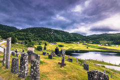 18 Ιουλίου 2015: Νεκροταφείο της εκκλησίας σανίδων Eidsborg, Νορβηγία Στοκ εικόνες με δικαίωμα ελεύθερης χρήσης