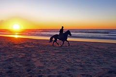 Ιππασία στην παραλία Στοκ φωτογραφία με δικαίωμα ελεύθερης χρήσης