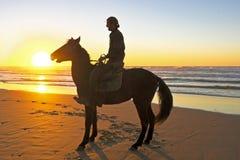 Ιππασία στην παραλία Στοκ εικόνες με δικαίωμα ελεύθερης χρήσης
