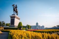 Ιππικό άγαλμα του βασιλιά Chulalongkorn Rama Β στοκ φωτογραφίες