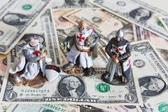 Ιππότης και δολάρια Στοκ φωτογραφία με δικαίωμα ελεύθερης χρήσης