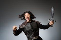 0 ιππότης με το ξίφος ενάντια Στοκ φωτογραφία με δικαίωμα ελεύθερης χρήσης