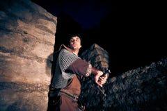 Ιππότης που υπερασπίζει το φρούριό του Στοκ εικόνες με δικαίωμα ελεύθερης χρήσης