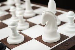 Ιππότης σκακιού στη σκακιέρα Στοκ φωτογραφίες με δικαίωμα ελεύθερης χρήσης
