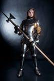 Ιππότης στο σκοτεινό υπόβαθρο Στοκ Φωτογραφίες