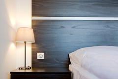 διπλή πολυτέλεια ξενοδοχείων κρεβατοκάμαρων σπορείων Στοκ Φωτογραφία