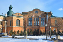 Ιρκούτσκ, Ρωσία, 16 Μαρτίου, 2017 Ιστορικό κτήριο στην οδό Λένιν, σπίτι 38, η προηγούμενη οδός Amurskaya Άποψη από το courty Στοκ Εικόνες