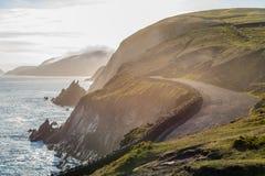 Ιρλανδικός πλευρικός δρόμος που εξισώνει την άνοιξη Στοκ φωτογραφία με δικαίωμα ελεύθερης χρήσης