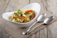 Ιρλανδικό stew χορτοφάγο ύφος σε ένα κύπελλο Στοκ φωτογραφία με δικαίωμα ελεύθερης χρήσης