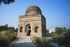 Ισλαμική αρχιτεκτονική Deccani Τάφος Mohammadan και Darga, Kadirampura κοντά στο χωριό Hampi Στοκ Εικόνες