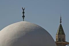 Ισλαμική ημισέληνος στο μουσουλμανικό τέμενος στοκ εικόνες με δικαίωμα ελεύθερης χρήσης
