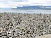 Ισλανδία η παραλία 2017 τύμβων βράχου Στοκ Εικόνες