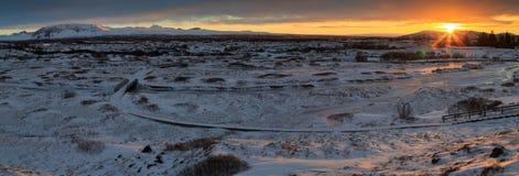 Ισλανδικό τοπίο στο ηλιοβασίλεμα Στοκ Φωτογραφία