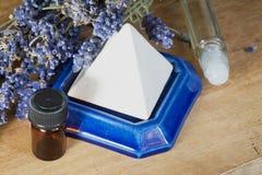 Ισορροπία και aromatherapy με lavender Στοκ εικόνες με δικαίωμα ελεύθερης χρήσης