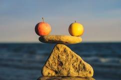 Ισορροπία της Apple Στοκ Εικόνες