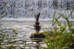 Ισορροπία VII από τις πτώσεις Στοκ εικόνες με δικαίωμα ελεύθερης χρήσης