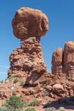 Ισορροπημένος βράχος στο εθνικό πάρκο Γιούτα ΗΠΑ αψίδων Στοκ Φωτογραφία