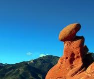 ισορροπώντας βράχος σχημ&al Στοκ εικόνα με δικαίωμα ελεύθερης χρήσης
