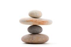 Ισορροπώντας zen πέτρες που απομονώνονται Στοκ Φωτογραφία