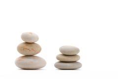 Ισορροπώντας zen πέτρες που απομονώνονται Στοκ Εικόνα