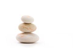 Ισορροπώντας zen πέτρες που απομονώνονται Στοκ Εικόνες