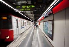 Ισπανία, Βαρκελώνη 2013-06-14, σταθμός μετρό Arc de Triomf Στοκ φωτογραφία με δικαίωμα ελεύθερης χρήσης