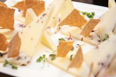 Ισπανικά τρόφιμα tapa τυριών πολλαπλάσια στοκ φωτογραφίες με δικαίωμα ελεύθερης χρήσης