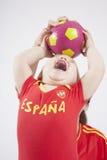 Ισπανική ομάδα μωρών που παίρνει τη σφαίρα Στοκ Εικόνες