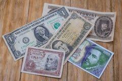 Ισπανικοί λογαριασμοί πεσετών, αμερικανικό δολάριο και ουγγρικό Forint Στοκ Εικόνες