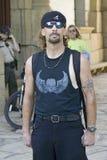 Ισπανικό άτομο στη μαύρη μπλούζα Στοκ Εικόνες