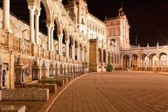 Ισπανικό τετράγωνο (Plaza de Espana) στη Σεβίλλη τη νύχτα, Ισπανία Στοκ εικόνες με δικαίωμα ελεύθερης χρήσης