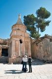 Ισραήλ, Ιερουσαλήμ, τουρίστες στον τάφο Absalom στοκ φωτογραφίες με δικαίωμα ελεύθερης χρήσης