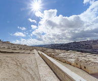 Ισραήλ Ιερουσαλήμ - 15 Φεβρουαρίου 2017 Άποψη του παλαιού εβραϊκού νεκροταφείου Στοκ Εικόνα