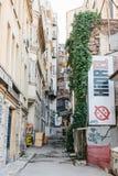 Ιστανμπούλ, στις 15 Ιουνίου 2017: Άποψη μιας χαρακτηριστικής οδού στο ευρωπαϊκό μέρος της πόλης Στοκ φωτογραφία με δικαίωμα ελεύθερης χρήσης
