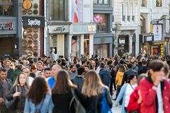 Ιστανμπούλ, Τουρκία Λεωφόρος ανεξαρτησίας Caddesi Istiklal Στοκ εικόνα με δικαίωμα ελεύθερης χρήσης