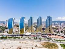 Ιστανμπούλ, Τουρκία - 23 Φεβρουαρίου 2018: Εναέρια άποψη κηφήνων της λεωφόρου αγορών Avm ουρανοξυστών IstMarina στη Ιστανμπούλ Ka Στοκ Εικόνες