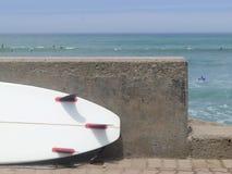 Ιστιοσανίδα στην ακτή Miraflores Στοκ Φωτογραφία