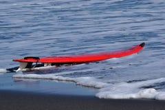 Ιστιοσανίδα στην παραλία Στοκ φωτογραφία με δικαίωμα ελεύθερης χρήσης