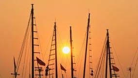 Ιστοί των σκαφών και των βαρκών στο ηλιοβασίλεμα Βιετνάμ Στοκ εικόνα με δικαίωμα ελεύθερης χρήσης