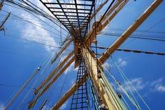 Ιστοί χάλυβα ενός πλέοντας σκάφους Στοκ Εικόνες